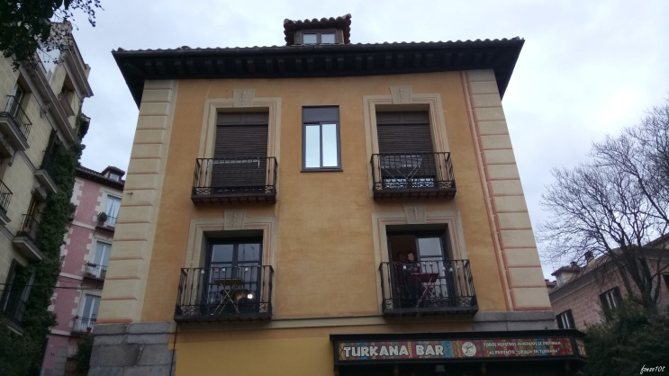 Fachada a Plaza de la Cruz Verde